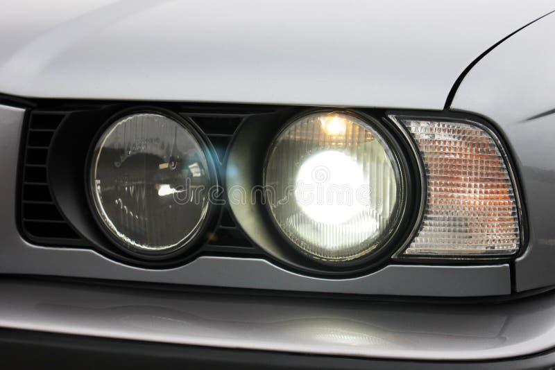 Προβολείς αυτοκινήτων Προβολείς πολυτέλειας στοκ εικόνα με δικαίωμα ελεύθερης χρήσης