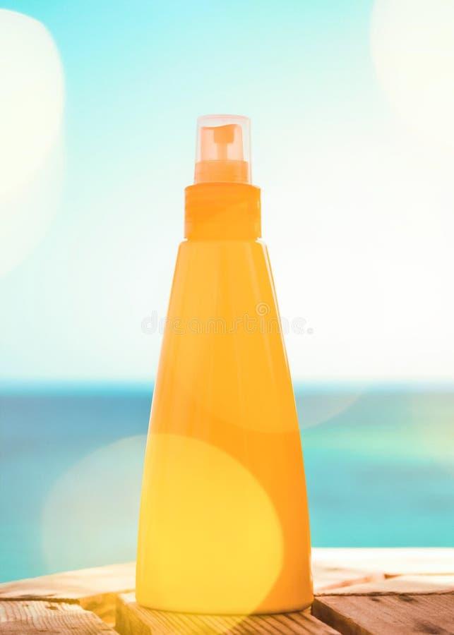 Προστατεύστε το δέρμα σας στην παραλία στοκ φωτογραφία