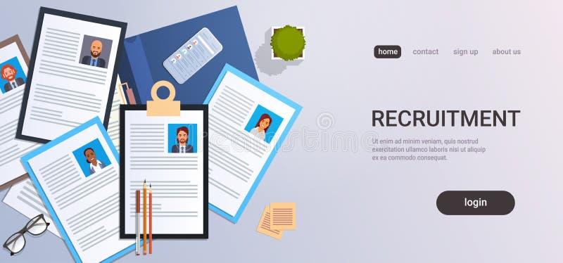 Πρόγραμμα σπουδών - τοπ επιχείρηση smartphone υπολογιστών γραφείου εργασιακών χώρων άποψης γωνίας σχεδιαγράμματος βιογραφικού σημ ελεύθερη απεικόνιση δικαιώματος