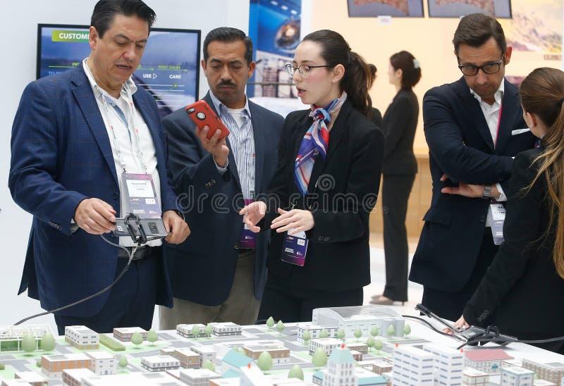 Πρότυπο προσωπικού επιχείρησης επισκεπτών ANS της πόλης με τη συνδετικότητα 5G στο κινητό παγκόσμιο συνέδριο 2019 στοκ φωτογραφία με δικαίωμα ελεύθερης χρήσης