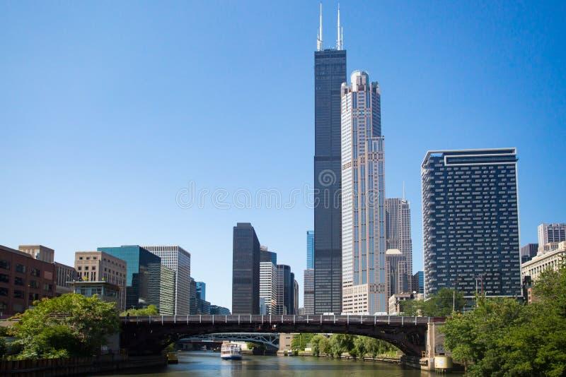 Πύργος Willis στο Σικάγο στον ποταμό του Σικάγου στοκ φωτογραφία με δικαίωμα ελεύθερης χρήσης