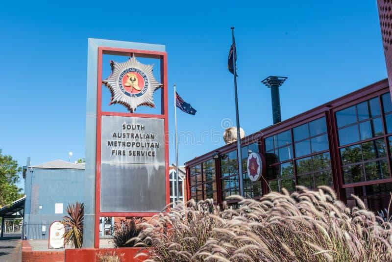 Πυροσβεστικός σταθμός της εξωτερικής άποψης υπηρεσιών νότιας αυστραλιανής μητροπολιτικής πυρόσβεσης στη Νότια Αυστραλία της Αδελα στοκ φωτογραφίες με δικαίωμα ελεύθερης χρήσης