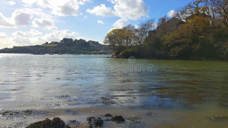 ï ¿ ¼ Kinterbury-Nebenfluss ist im Westen von Plymouth, zwischen Barne Barton und St. Budeaux auf Tamar Estuary lizenzfreie stockfotos