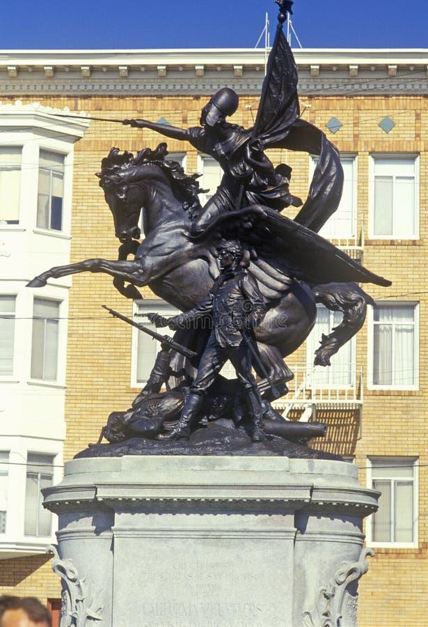 ï ¿ ½ zuerst Frontï-¿ ½ zur spanish-amerikanischer Kriegs-Statue auf Markt-Straße, San Francisco, Kalifornien lizenzfreie stockfotografie