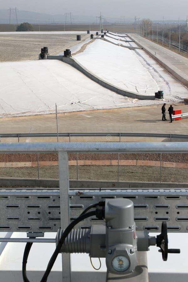 Тhe-Müllgrube für nicht-gefährlichen überschüssigen Abfall bei Yana, Kremikovtzi, Bulgarien Abfall abgeleiteter Brennstoff RDF-B lizenzfreies stockbild