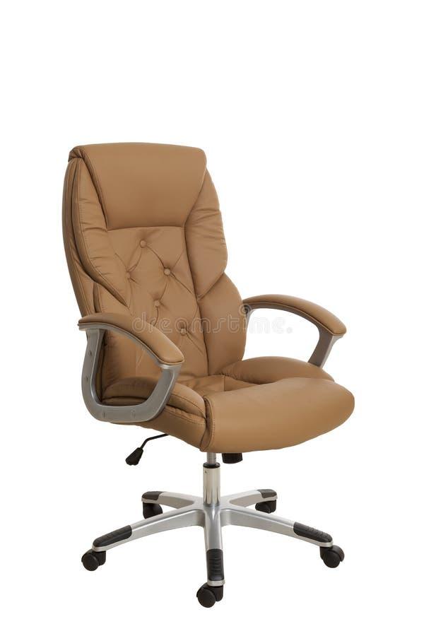 Тhree-fjärdedelar beskådar av en lyxig stol för chefkontor, upholstere royaltyfri fotografi