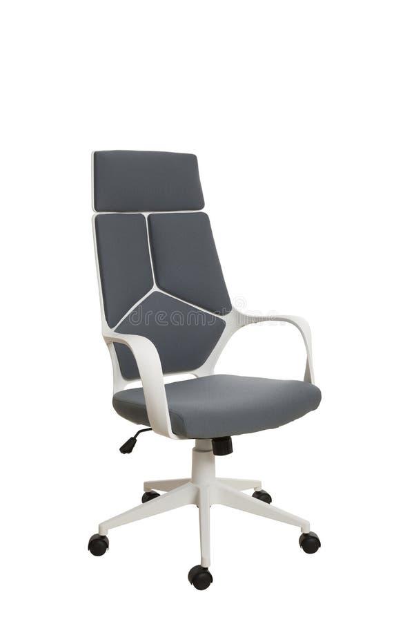 Тhree-fjärdedelar beskådar av en modern kontorsstol, gjort av vita plas arkivbild