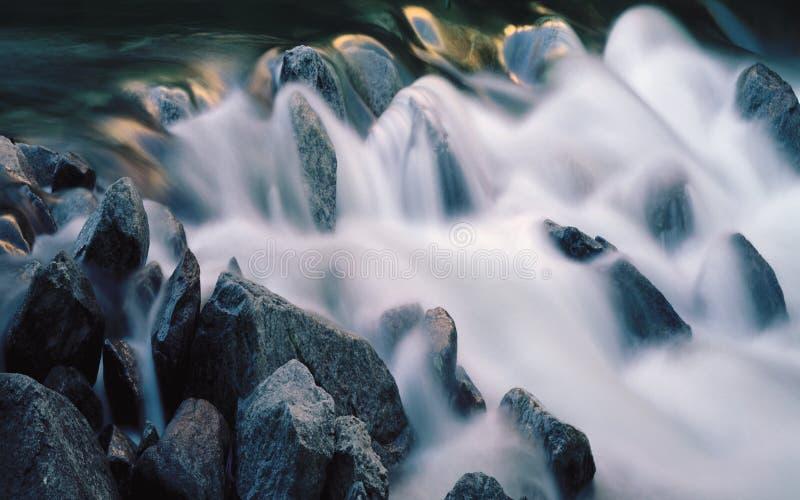 абстрактная предпосылка водопада 3d иллюстрация вектора