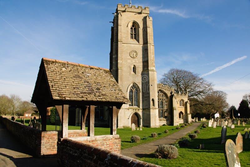 Английская сцена церковного двора стоковые изображения rf