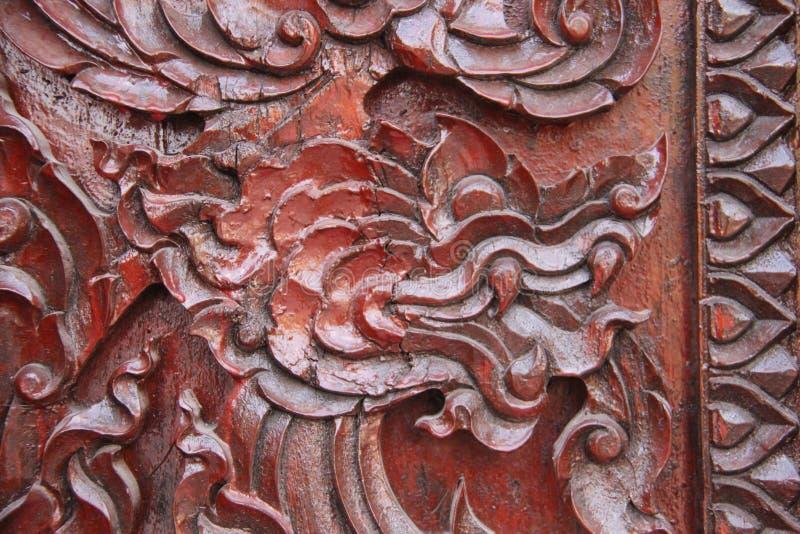 артикулированное Деревянная высекая голова льва стоковое фото rf
