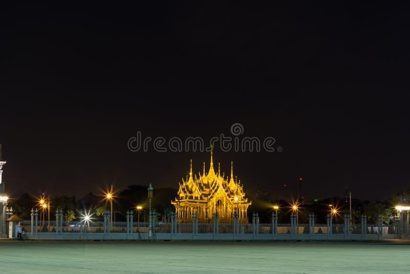 Бангкок, Таиланд на November13,2017: Мемориальные кроны эгиды или павильона Borommangalanusarani в зоне Anantasamakhom стоковое фото
