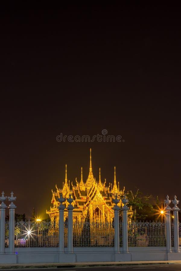 Бангкок, Таиланд на November13,2017: Мемориальные кроны эгиды или павильона Borommangalanusarani в зоне Anantasamakhom стоковое изображение
