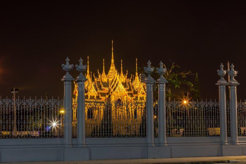 Бангкок, Таиланд на November13,2017: Мемориальные кроны эгиды или павильона Borommangalanusarani в зоне Anantasamakhom стоковые фотографии rf