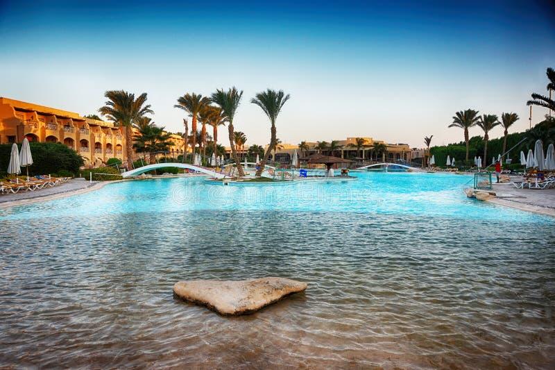 Бассейн гостиницы в Египте стоковое фото