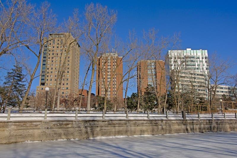 Башни квартиры вдоль замороженного канала riedau стоковая фотография rf