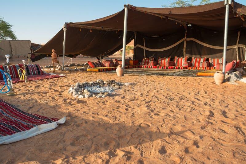 Бедуинская палатка в пустыне песка Wahiba в утре стоковая фотография