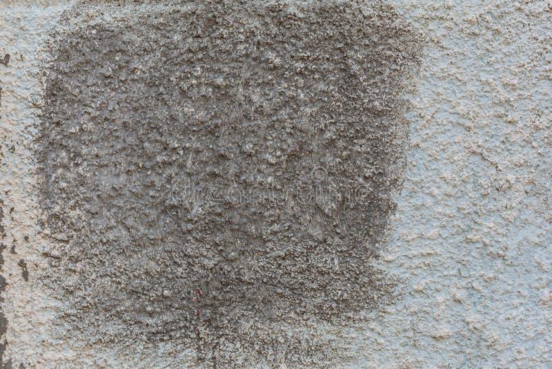 Бетонная стена с темным пятном стоковое изображение rf