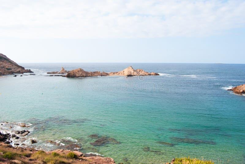 Береговая линия зоны Pregonda острова Менорки стоковые изображения rf