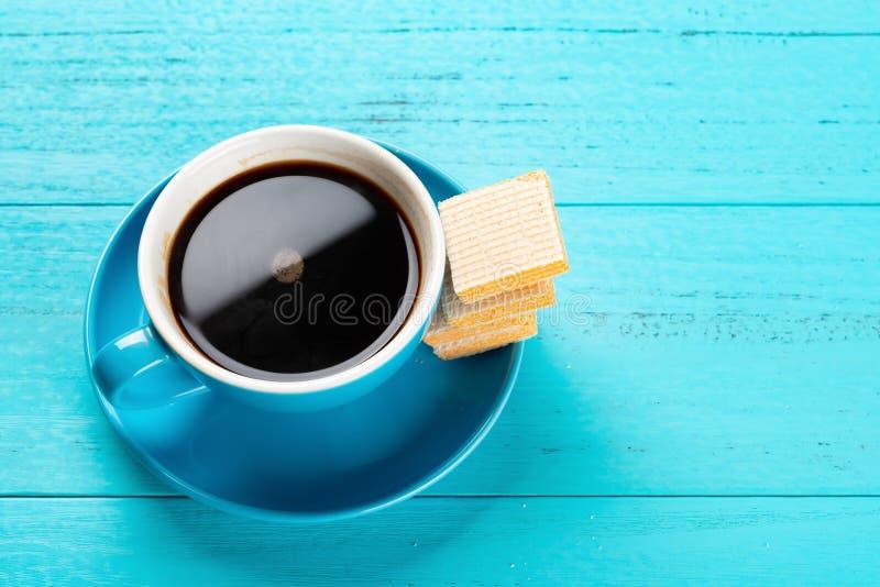 Блоки кофе & вафли с космосом экземпляра стоковые фото