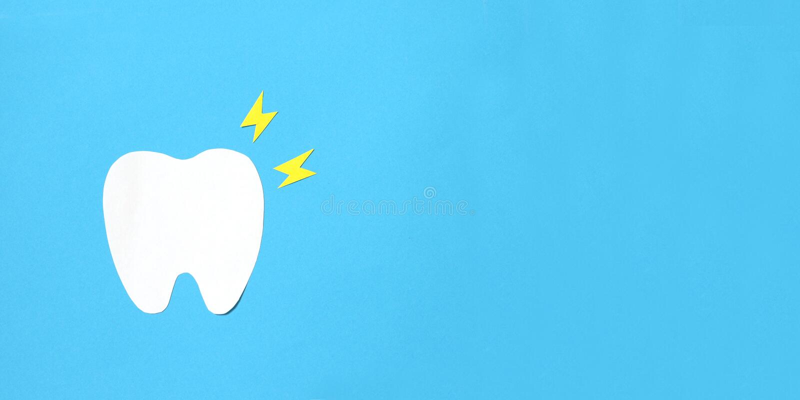 Бумажная концепция зубоврачебной обработки костоеда Toothache стоковое фото rf