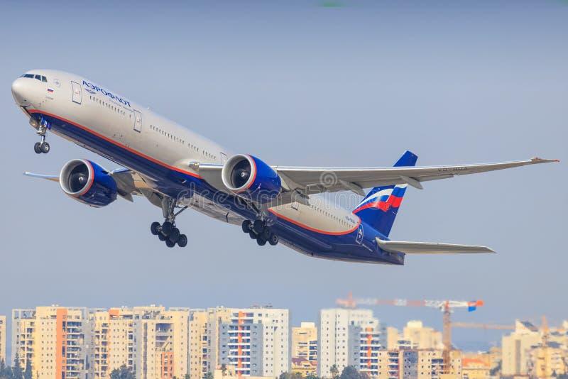 Боинг 777 Transaero стоковое изображение rf