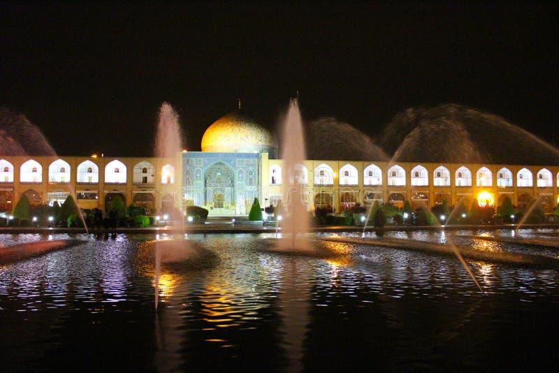 Большинств красивая площадь в Isfahan, квадрат Naqsh-e Jahan вечером, Isfahan, Иран стоковое изображение