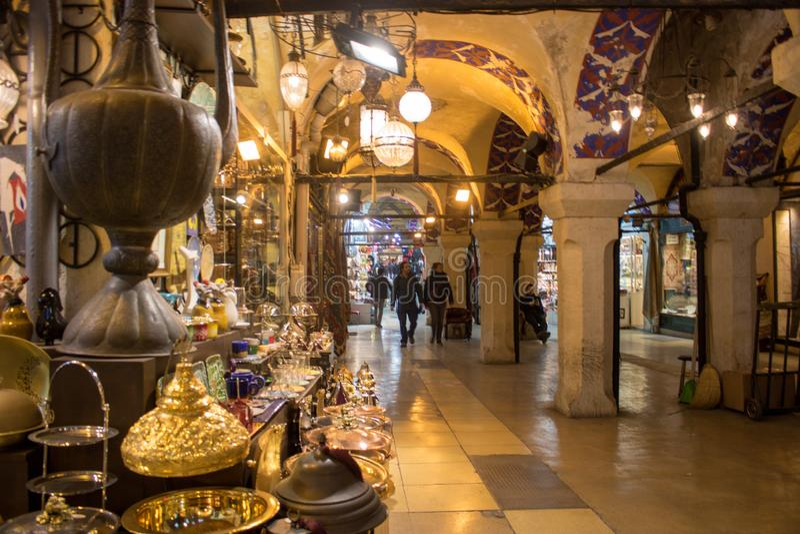 Большой благотворительный базар Стамбула в Турции стоковые фотографии rf
