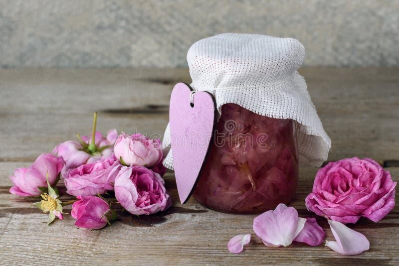 Варенье лепестка розы стоковые изображения rf