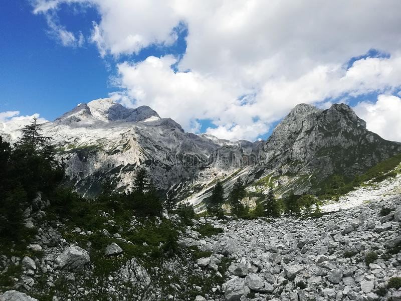 Великолепные юлианские горные вершины стоковое фото rf