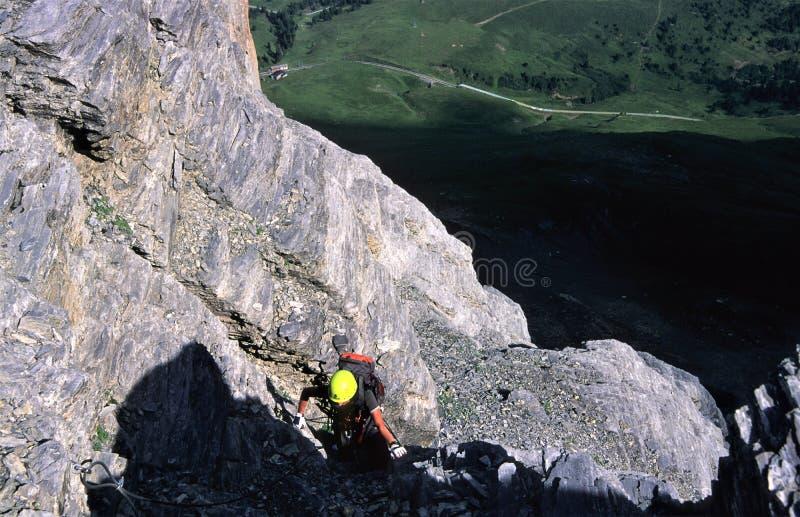 Взбирающся - через tripp ferrata близко к северной стороне Eiger, Swizerland стоковые фотографии rf