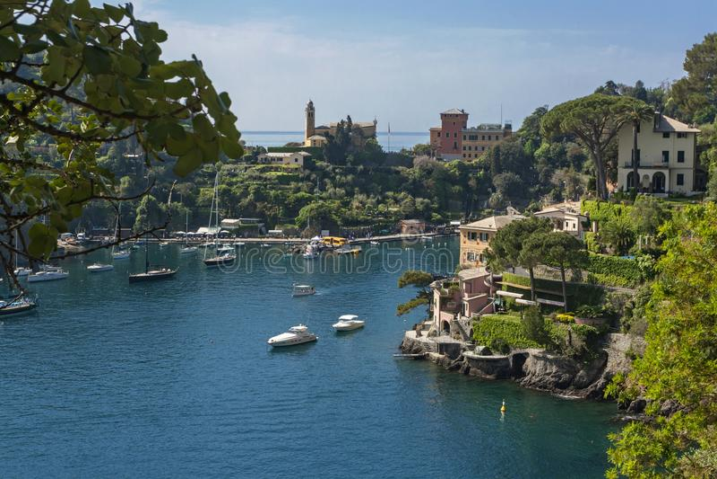 Взгляд залива Portofino в Италии стоковая фотография rf