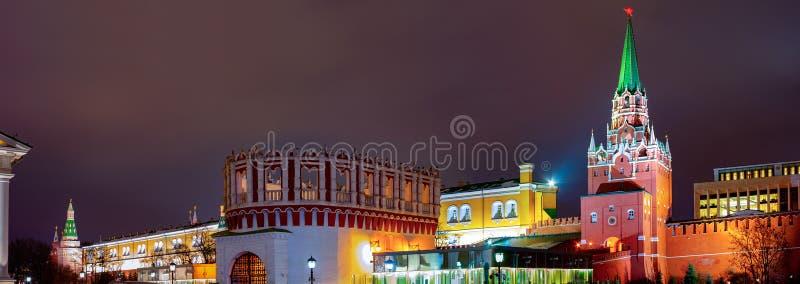 Взгляд Кремля, башня Kutafya landmark Город Москва стоковое изображение rf