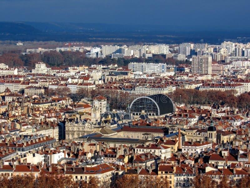 Взгляд Лиона с городской ратушей и оперой Nouvel, оперным театром Nouvel, в Лионе, Рона-Alpes, Франция стоковые фото