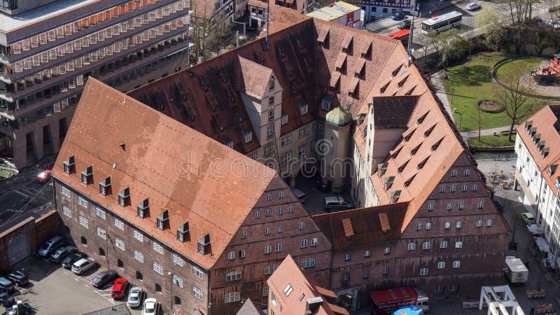 Взгляд на замке ulm от верхней части монастырской церкви стоковое фото