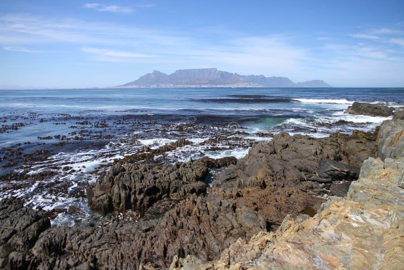 Взгляд на Кейптауне и robben остров стоковая фотография