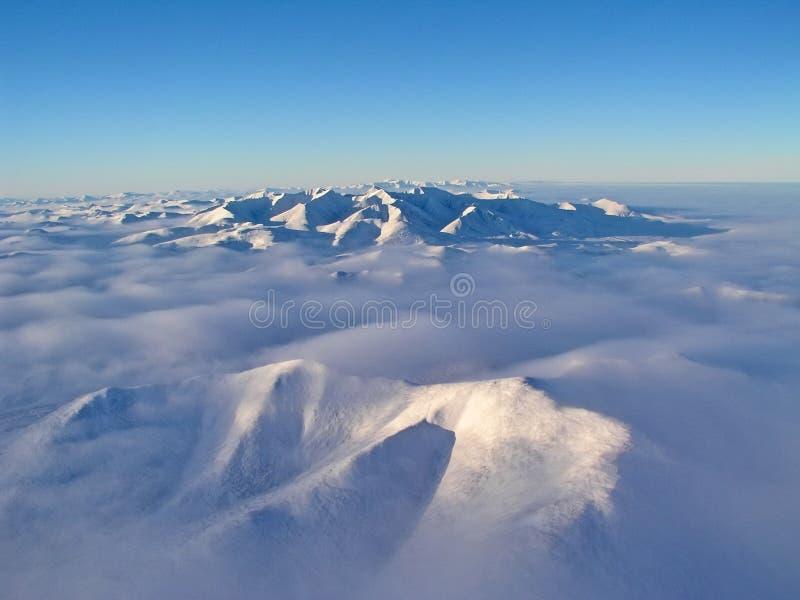 взгляд Птиц-глаза западного ряда Sayan Имя гор- Sayan общее для 2 систем горы в южном Сибире стоковая фотография