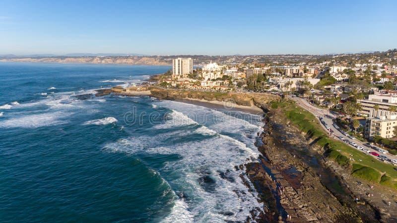 Взгляд побережья сверху в La Jolla, Калифорния стоковое фото