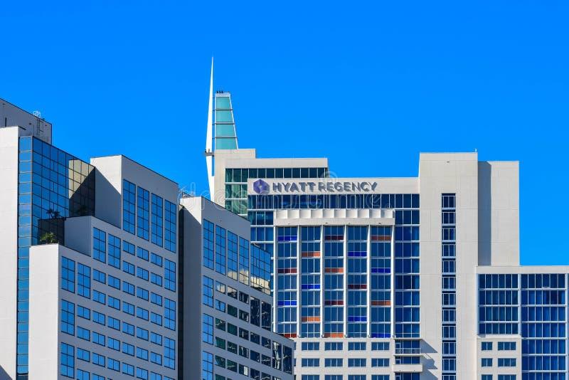 Взгляд сверху гостиницы регентства Hyatt на международной зоне привода 2 стоковая фотография rf