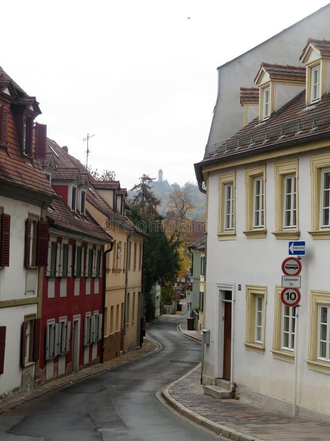 Взгляд узких улиц города стоковые изображения rf