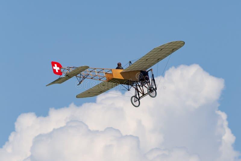 Винтажные воздушные судн Bleriot XI имеемые и управляемые Mikael Carlson стоковая фотография