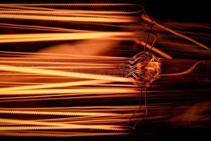 Винтажный макрос электрической лампочки иллюстрация штока