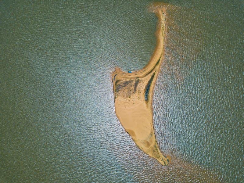 """Вид с воздуха от высоты 500 метров, от острова """"Las Dunas de Сан Cosme y Damian """"дюны в середине Рио Parana стоковая фотография"""