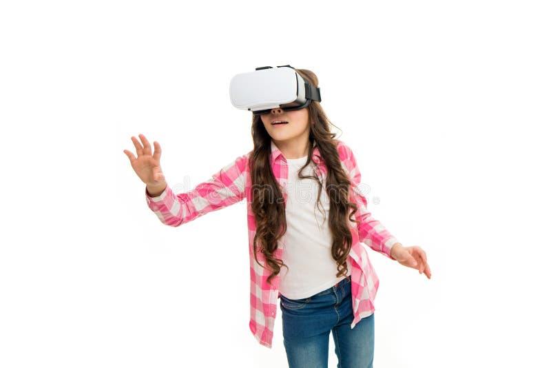 Виртуальное образование Hmd носки ребенка исследовать виртуальную или увеличенную реальность будущая технология Реальность кибер  стоковая фотография rf