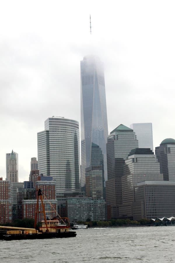 Всемирный торговый центр одно в облаках, NYC стоковые фото