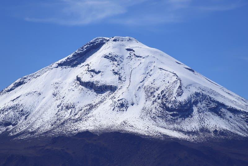 Вулкан Sairecabur, пустыня Atacama, Чили стоковые фото
