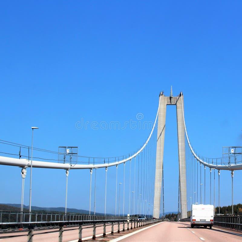 Высокий мост побережья над рекой Ã… ngermanälven стоковые изображения