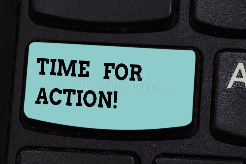 Время текста почерка для действия Смысл концепции получая готов начать сделать поощрение идет быстрая клавиша на клавиатуре стоковые изображения