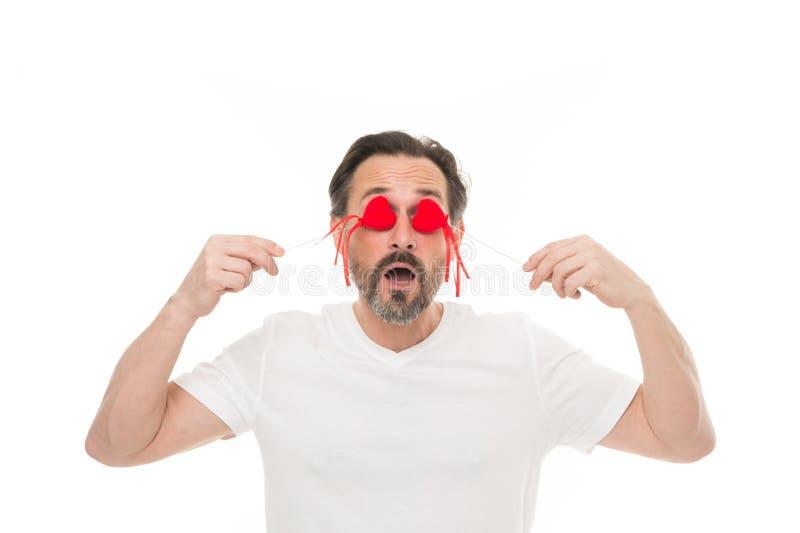 Время раскрыть ваши глаза красный цвет поднял здоровье внимательности рукояток изолировало запаздывания Зрелый бородатый человек  стоковые изображения rf