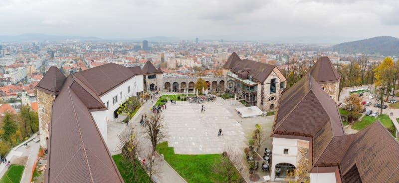 Воздушный внешний взгляд замка Любляны стоковые фото