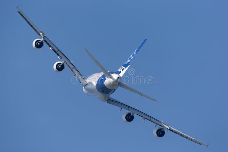 Воздушного судна F-WWDD авиалайнера аэробуса A380-841 большие 4 engined коммерчески стоковые фотографии rf